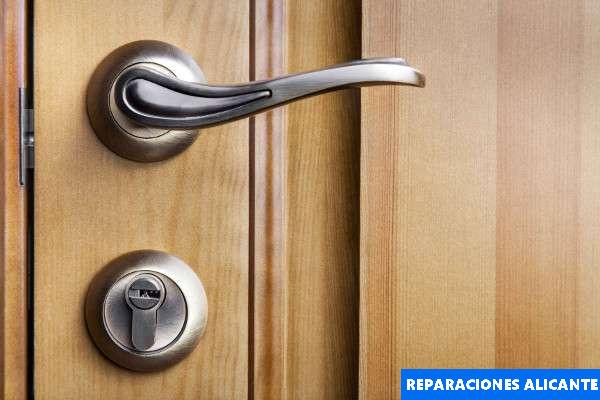 abrir puerta acorazada moraira